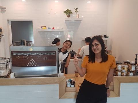 White Duck Cafe ยินดีต้อนรับ