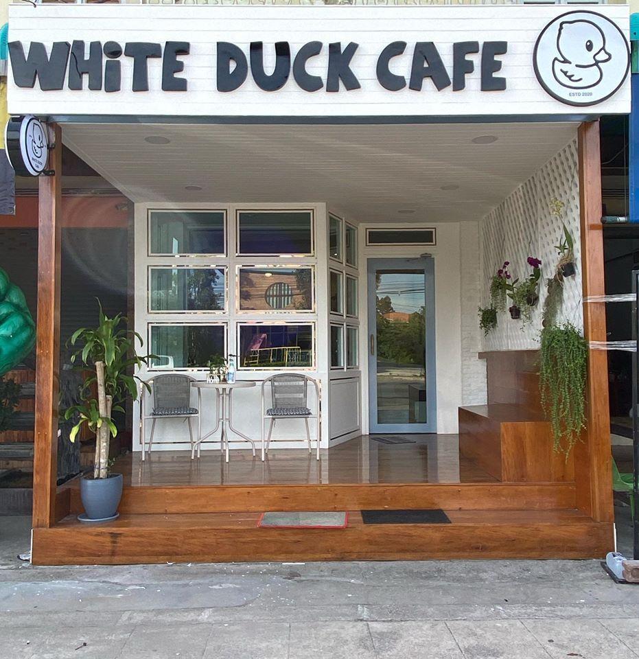 ยินดีต้อนรับทุกท่านค่ะ White Duck Cafe