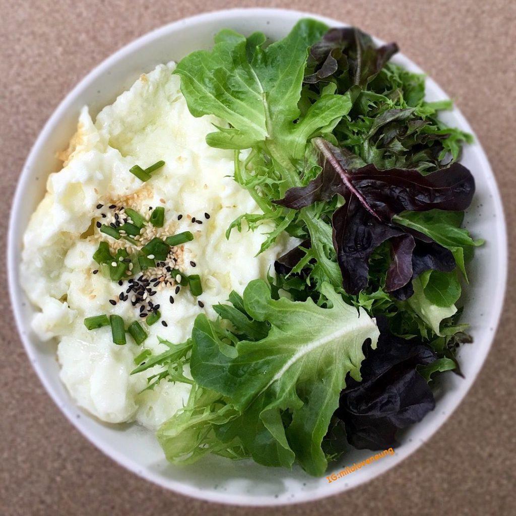 เมนูอาหารที่ทำจากไข่ขาว ที่ดีมีประโยชน์  คือ สลัดไข่ขาว เมนูอาหารยอดนิยมสำหรับคนที่กำลังลดน้ำหนักหรือควบคุมอาหาร