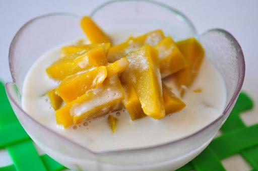 เมนูอาหารจากฟักทอง คือ แกงบวดฟักทอง สามารถนำไปทำเอาอาหารหวานได้
