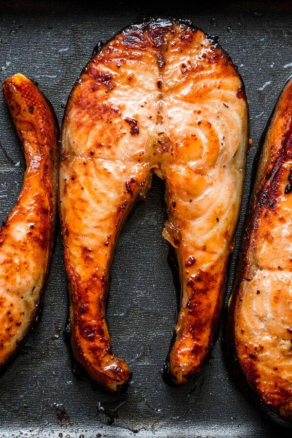อาหารช่วยลดพุง และช่วยลดไขมันหน้าท้อง คือ ปลาทะเล เป็นอาหารที่มีส่วนช่วยในการลดพุง หรือช่วยเร่งการเผาผลาญไขมันได้