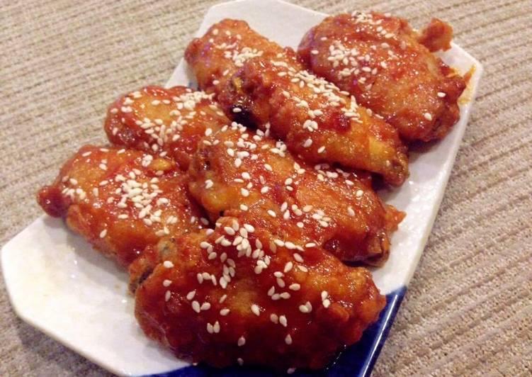 เมนูอาหารสไตล์เกาหลี ที่บอกเลยว่าอร่อยทำง่ายทำทานเองได้ที่บ้าน เมนูแรกที่แอดอยากจะมาแนะนำ คือ ไก่เกาหลี เมนูอาหารอีกเมนูที่ยอดฮิต