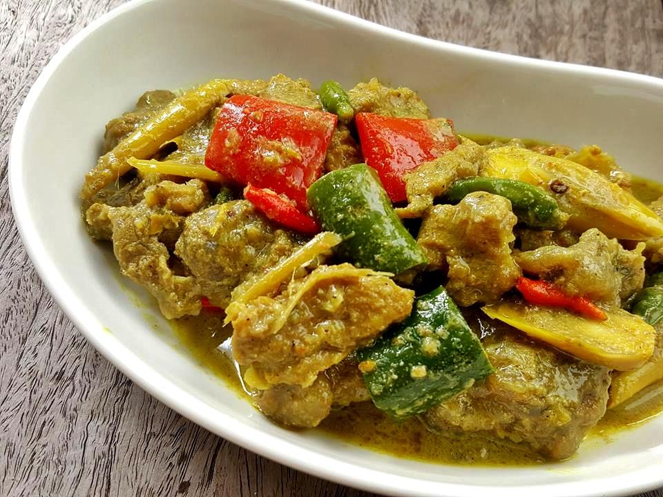 เมนูอาหารไทยโบราณ เมนูอาหารน่าทาน เมนูแรก คือ แกงระแวง