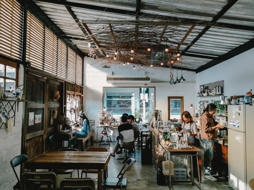 Café ใกล้ชิดบรรยากาศธรรมชาติ ที่ จังหวัดนครปฐม