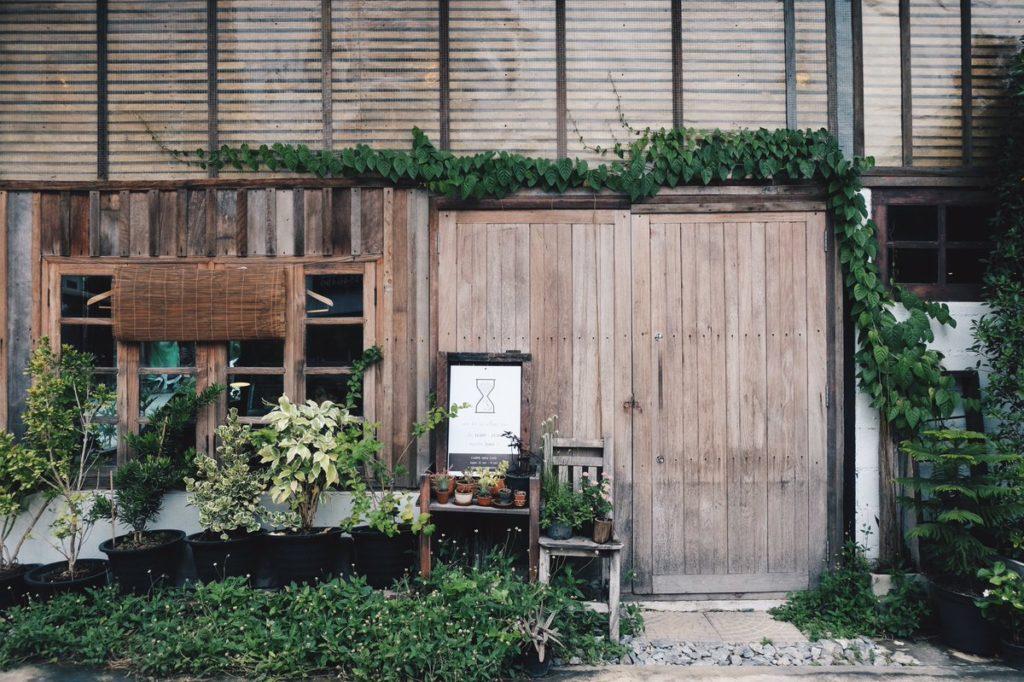 """Café ใกล้ชิดบรรยากาศธรรมชาติ คาเฟ่ที่แรก คือ Carpe Diem Café"""" เป็น Café เล็ก ๆใน จ.นครปฐม"""