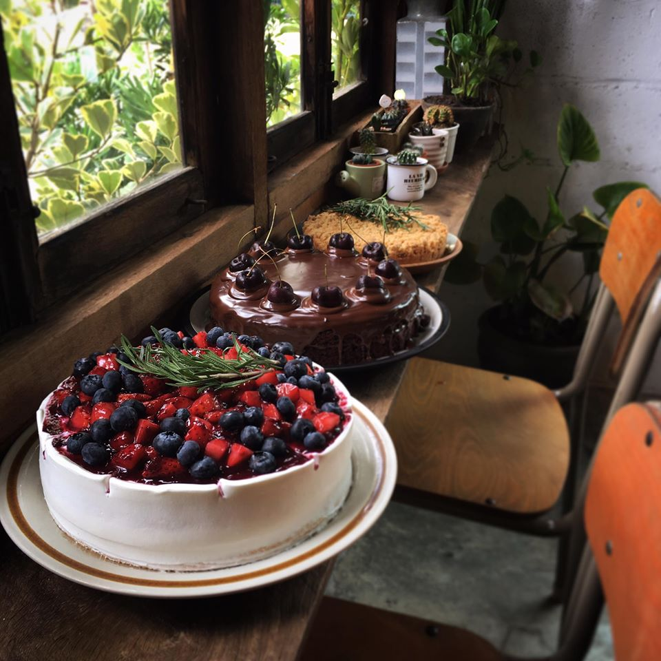 Carpe Diem Café ในส่วนของเรื่องขนม และเครื่องดื่มที่มีหน้าตาน่ารัก น่ารับประทานมาก