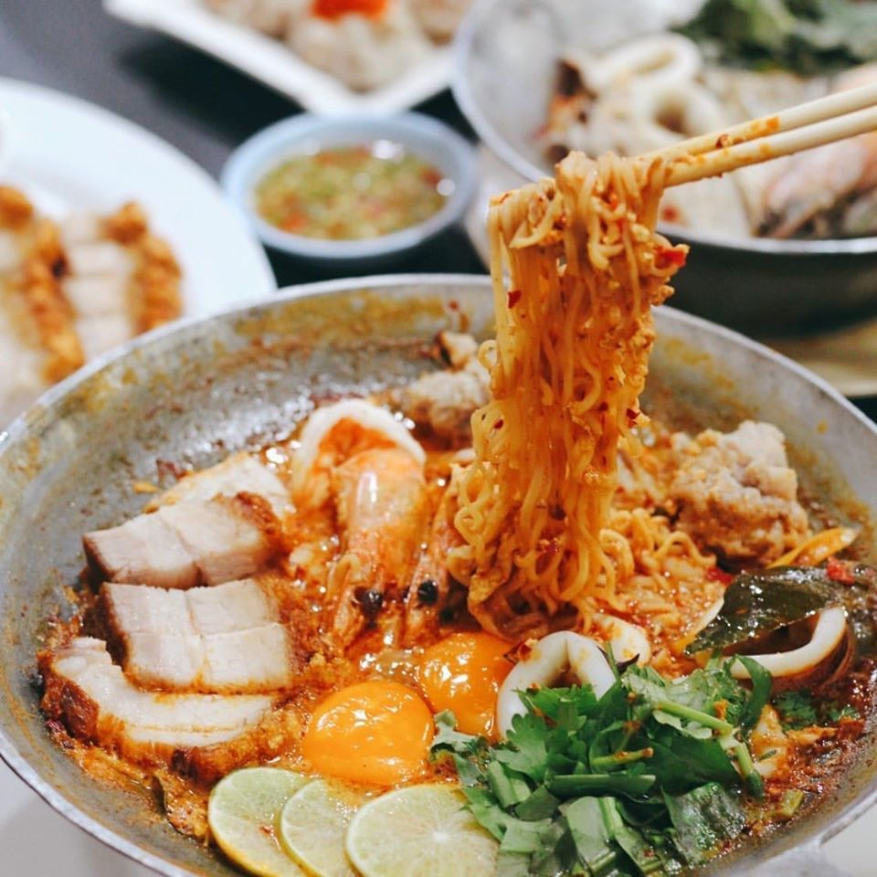 ร้านอาหารย่านพุทธมณฑล ร้านอาหารที่สอง คือ บ้านอาหารศรีสุวรรณ