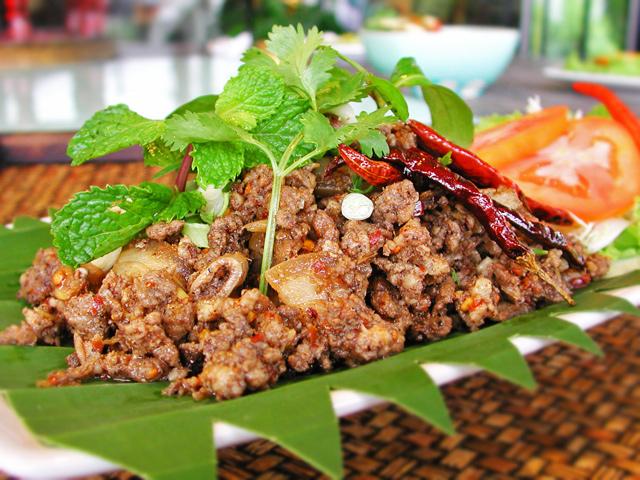 อาหารเหนือ ที่มีมนต์เสน่ห์ทำมาจากเลือดหมู