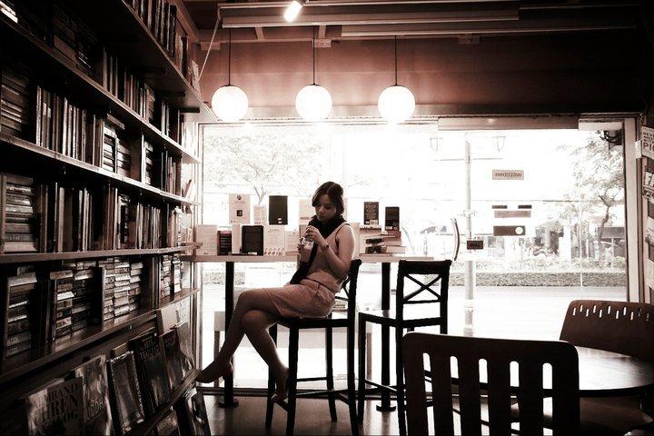 ร้าน Dasa Book Cafe ที่บรรยากาศคลาสสิก
