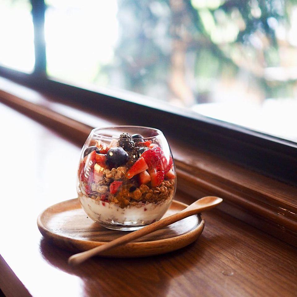Early Bird Coffee & Dessert Bar