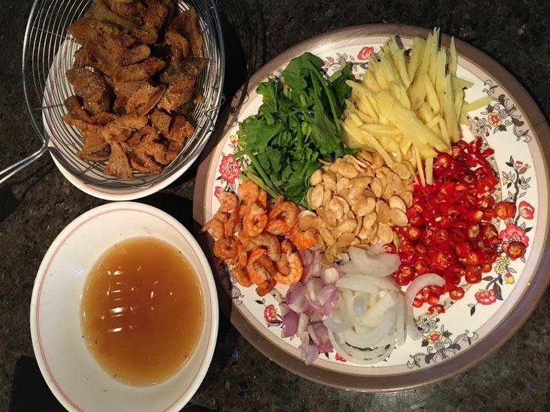 เมนูยำปลาสลิด เป็นเมนูอาหารที่ทำง่าย