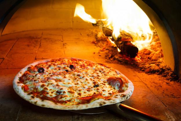 ร้าน Pizzaเตาถ่าน
