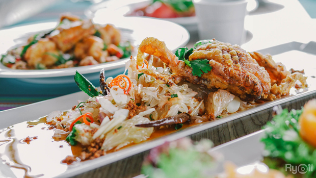 ร้านPlamong Restaurant ร้านอาหารทะเลระดับ 5 ดาวเสริฟพร้อมเมนูอร่อย